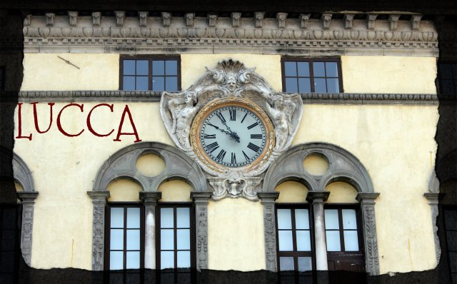 Lucca. Piazza San Michele.